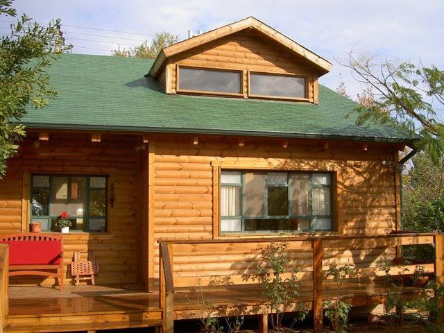 בית מעץ בהוד השרון