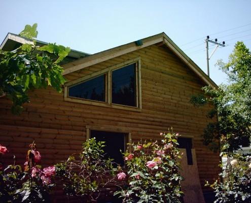 בית עץ בחיפוי לוגים בהוד השרון.