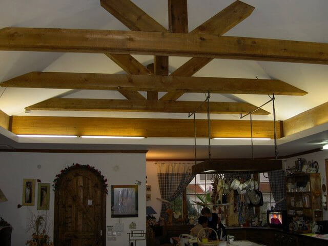 בניה קלה בעץ, פלדה ופאנלים מבודדים