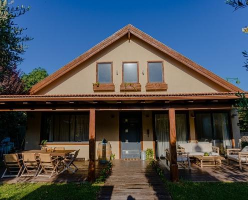 בית פדן - תוספות עץ צילום כניסה לבית
