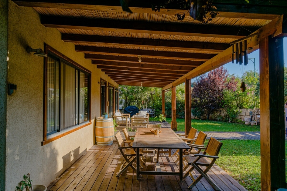 בית פדן - פרגולת עץ