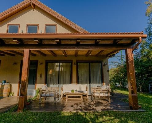 בית פדן - פרגולה עץ, ימין