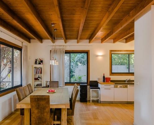 בית פדן - בניית דק במטבח